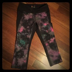 Lucy Crop Leggings, size M