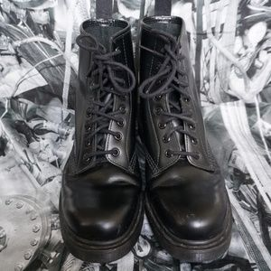 Dr. Martens Leather Black smooth boots MONO 1460