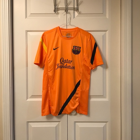 new styles aa8a6 281f7 Barcelona practice jersey