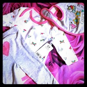 Other - Nwt Emily and oliver 3 piece set 6-9 m