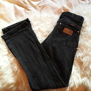 Vintage Wrangler black straight leg jeans hi-rise