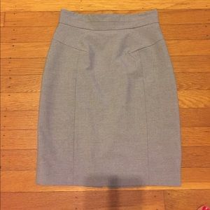 Pencil skirt with front pleats