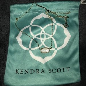 Kendra Scott Elisa White Pearl necklace
