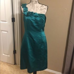 Antonio Melani Green Satin One-Shoulder Dress!