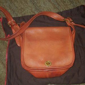 VINTAGE COACH SHOULDER BAG ORANGE RED