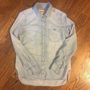 EUC Merona denim chambray button up shirt size M