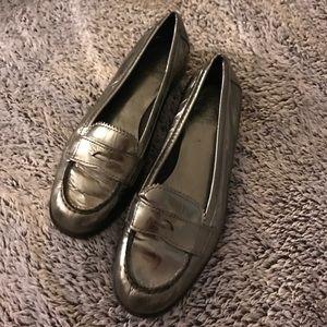 Tory Burch • Metallic loafers
