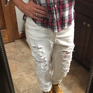 AEO Tomgirl Ripped White Jeans