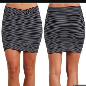 BCBG Alisa black comb bandage Skirt XS