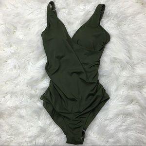 Emerald Bay green one piece swimsuit Sz 10