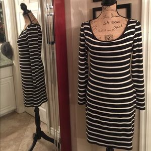 Flattering stretchy cotton fitted dress