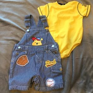 Winnie The Pooh 2-Piece Overall Set SZ 18 Months