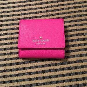 New Authentic Kate spade Tavy compact wallet.