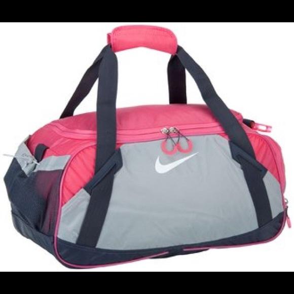 8d365fd3c9c6 Nike Varsity Girl 2.0 Medium Duffel Bag. M 59ed6d3af0137dc9cc0c01dd
