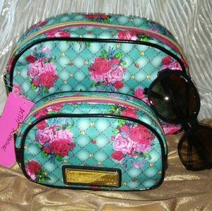 Betsey Johnson 2 pieces set cosmetic bag