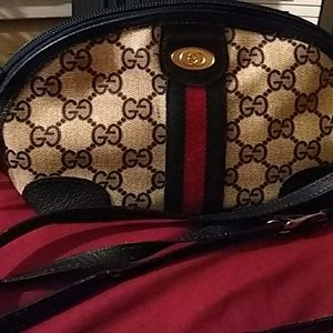 Vintage 1960's Gucci clutch purse
