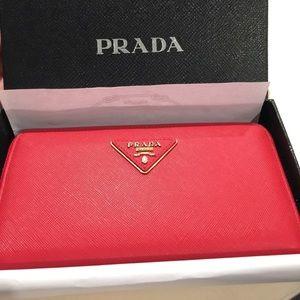 NIB Prada Saffiano Lux Zip around Wallet