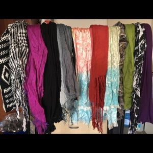 Accessories - 12 assorted scarves