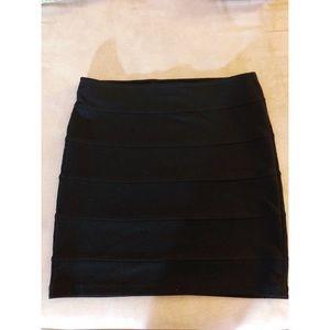 Forever 21 black striped skirt