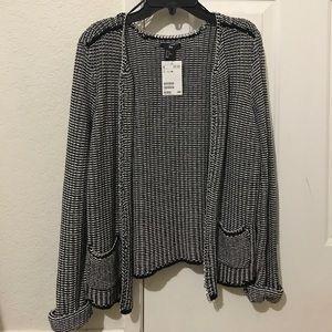 Blazer/sweater, black and white color
