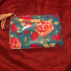 Cute zipper clutch Dooney & Bourke bag