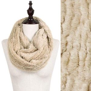 Accessories - Gorgeous Faux Fur Infinity Scarf