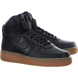 WOMEN'S NIKE AIR FORCE 1 HI SE GUM BOTTOM SNEAKERS