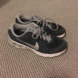 Nike Reax Run Size 9