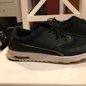 Black Nike Air Max Thea gently worn good condition