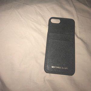 Michael kors iphone 7 black case.