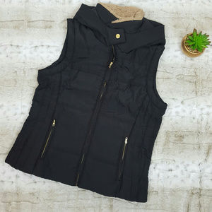 Perfect Women Winter Vest with Attached Hoodie