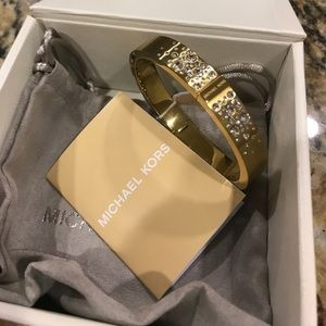 Michael Kors Crystal Hinged Bangle /Goldtone