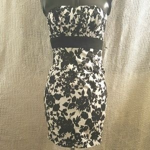 Sexy Strapless Stretch Black White Floral Dress