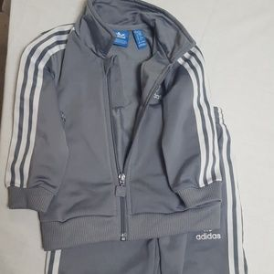 Kids 9 to 12 mths. adidas jogging suit (worn once)