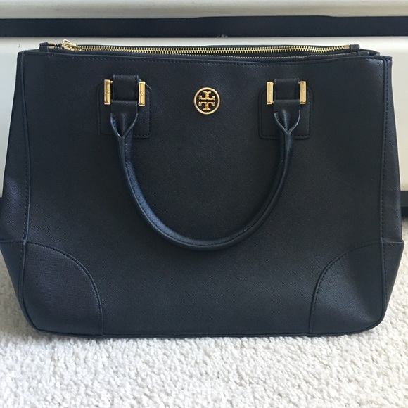 2b295a889077 AUTHENTIC Tory Burch Black Robinson Double Zip. M 59ed9f154225be5e570c6fbf