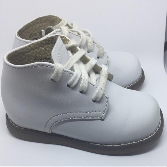 FootMates Shoes | Hard Bottom Support