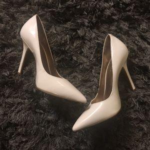 BCBGeneration pointy white heels