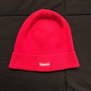 Supreme red skull beanie from 2015 winter drop 🔥