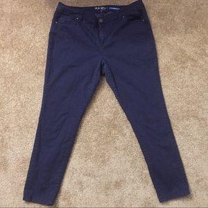 ❤️ Style&Co Polka Dot Skinny Jeans ❤️