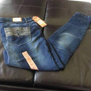 Juniors Mudd size 7 Dark Blast Skinny Jeans