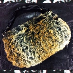 JENNIFER LOPEZ FAUX FUR WINTER HAND BAG GOLD CHARM