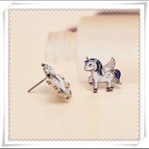Jewelry - Brand NEW🎉 Unicorn Stud Earrings