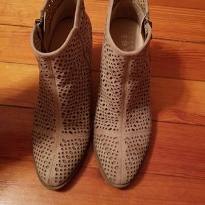 Cutout ankle booties by esprite