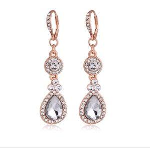Jewelry - 🆕 Rose Gold Teardrop Earrings
