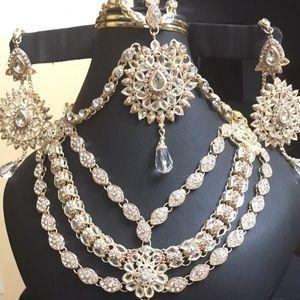 Jewelry - Beautiful jewelry 4pieces jewelry set