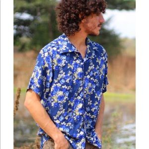 Mens Short Sleeves Shirt. Blue.