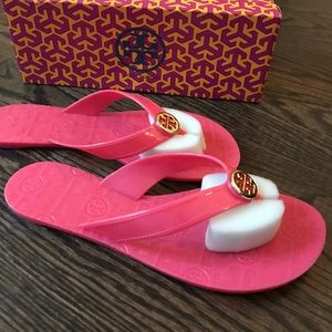 NIB Tory Burch Jelly Sandals in Pink🌸🌸🌸