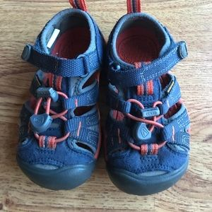 Toddler Keens | size 8