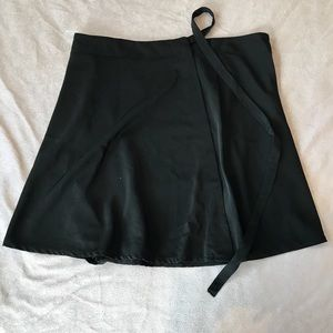 Brandy Melville one size wrap skirt