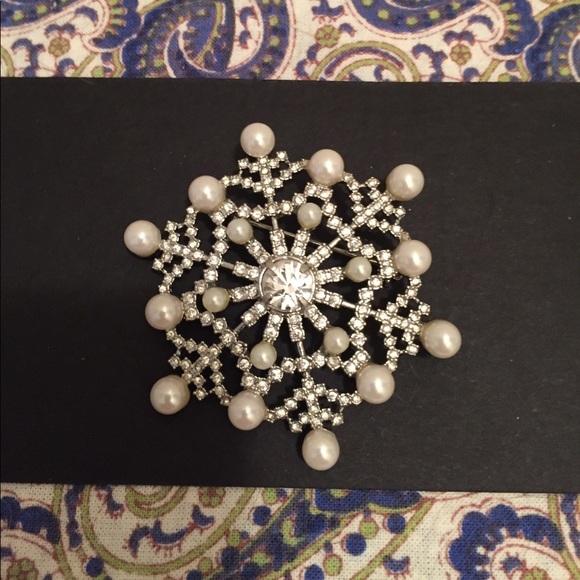 Talbots Jewelry - Talbots Pearl   Rhinestone Snowflake Pin 00202153a0c4